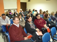 parents-night-at-hovaguimian-school